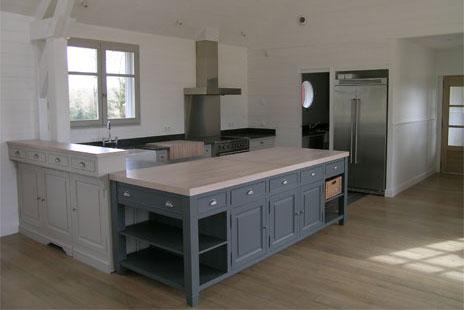 Belle cuisine d'une maison en bois Darblay